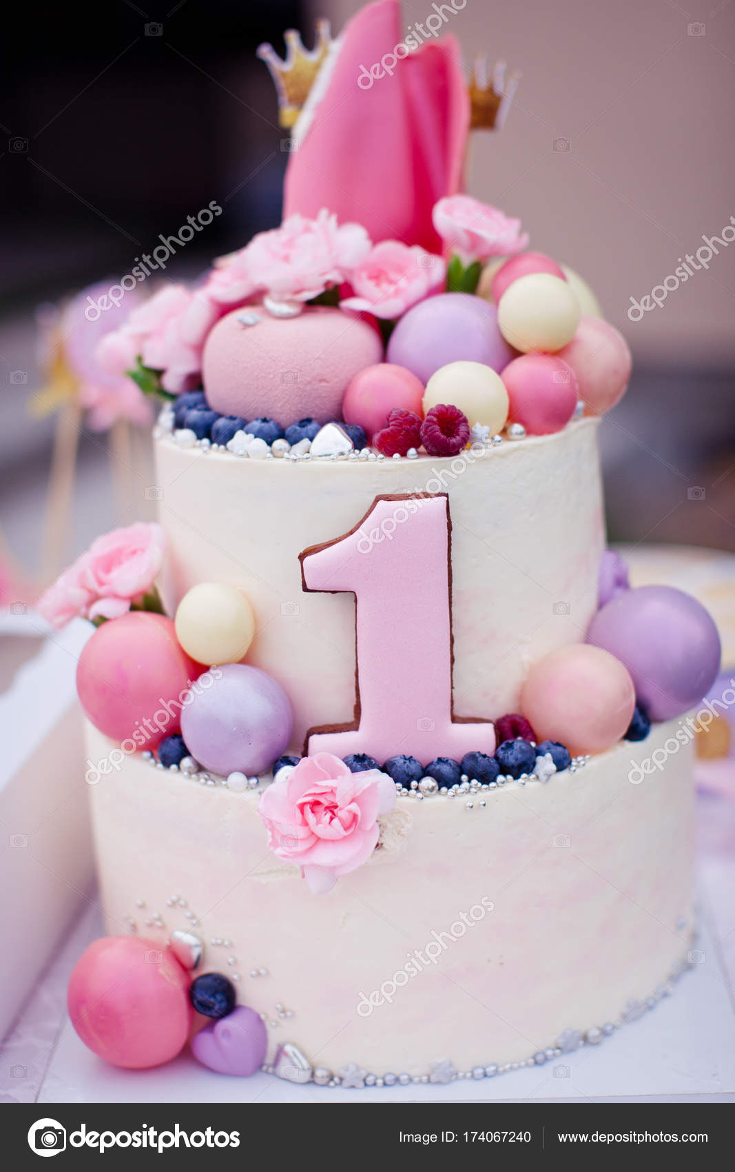 Prime Pink Birthday Cake For 1 Year Old Pink Cake For A Girl On The Personalised Birthday Cards Vishlily Jamesorg