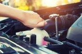 Hűtőfolyadék autó ellenőrzése