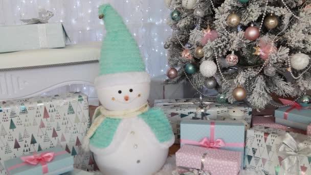 Nová let interiérové dekorace. Nový rok. Vánoční strom