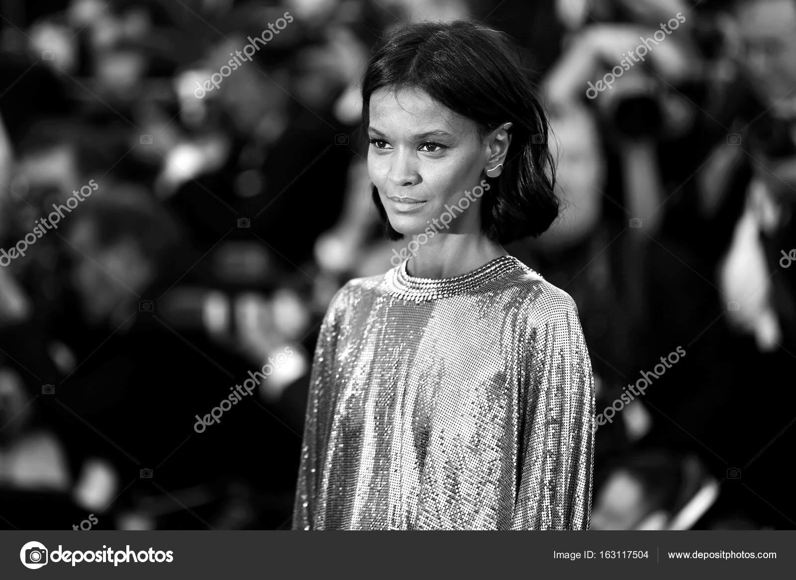 e99038ac47a5 Cannes, Francia - maggio 20: Modello Liya Kebede frequenta la prima '120  battiti al minuto' durante la 70 ° Festival di Cannes il 20 maggio 2017 a  Cannes, ...