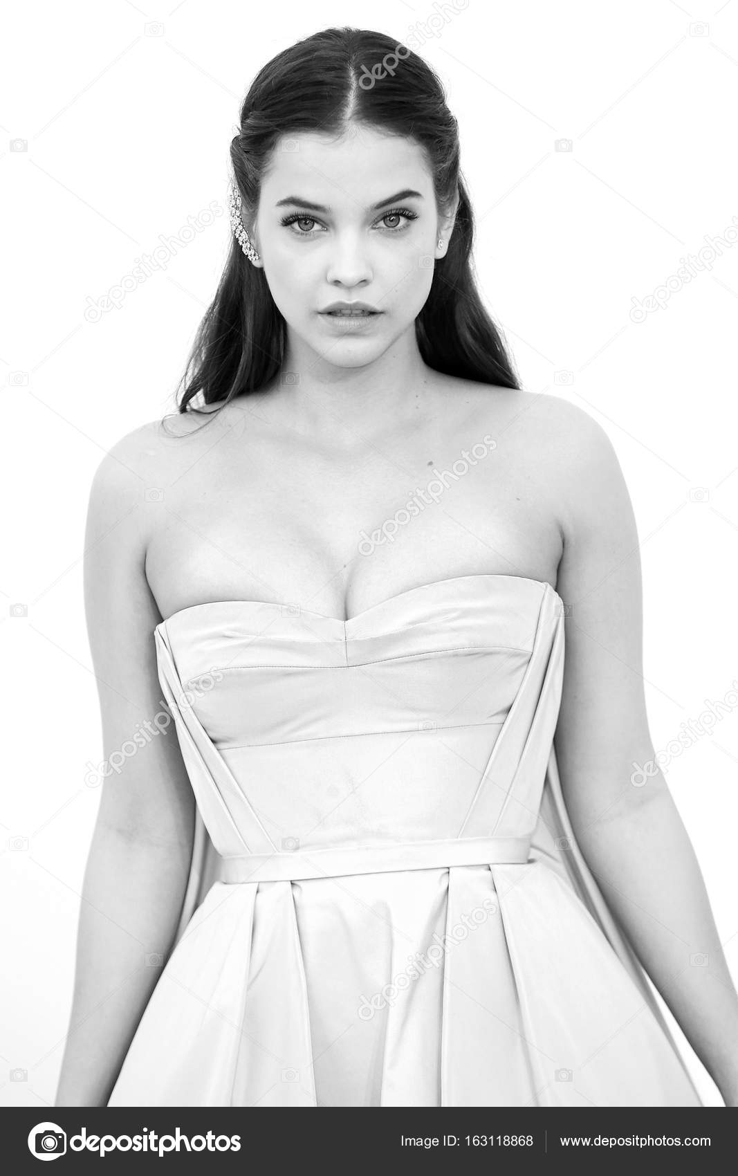 Barbara Palvin Fecha De Nacimiento modelo barbara palvin — foto editorial de stock � arp #163118868