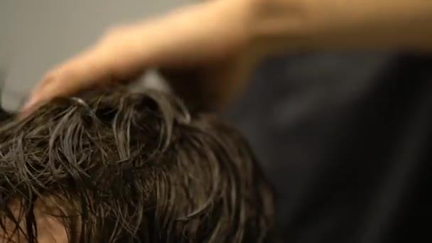 stilvoll modische Friseur rasieren Menschen