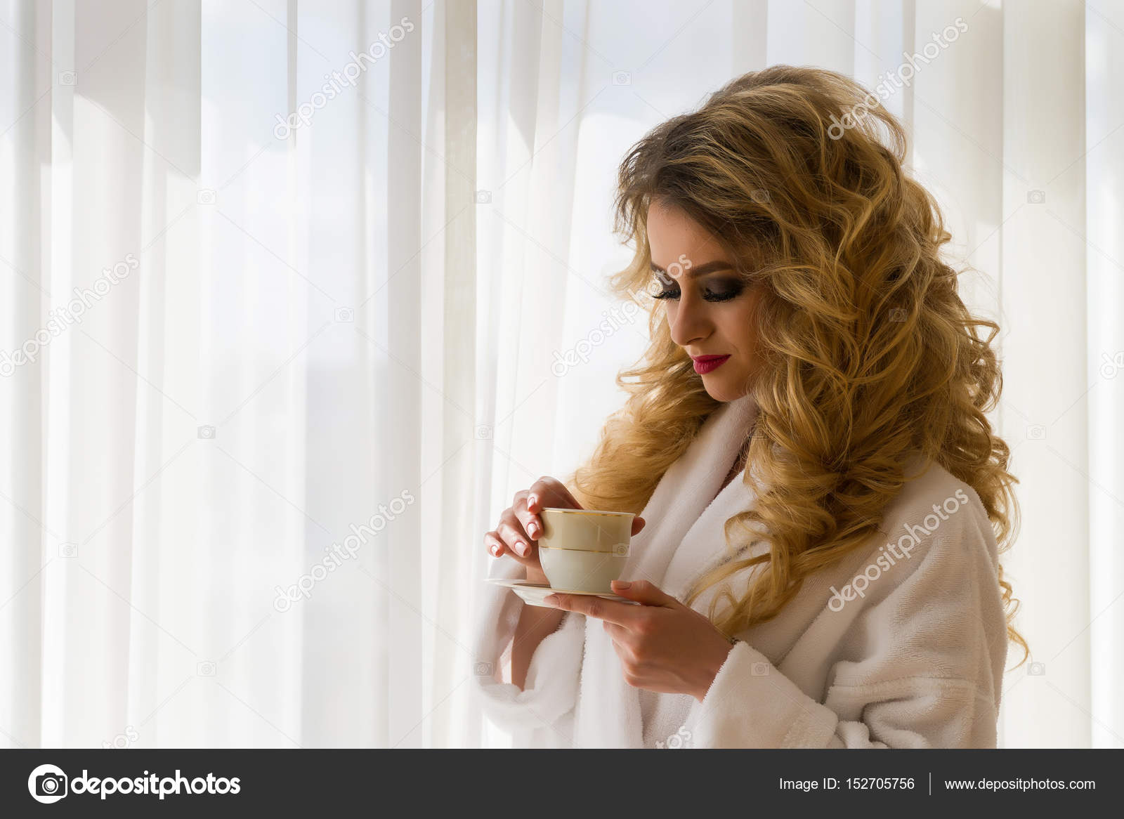 Beauty girl drinking coffee. Beautiful woman opening ...