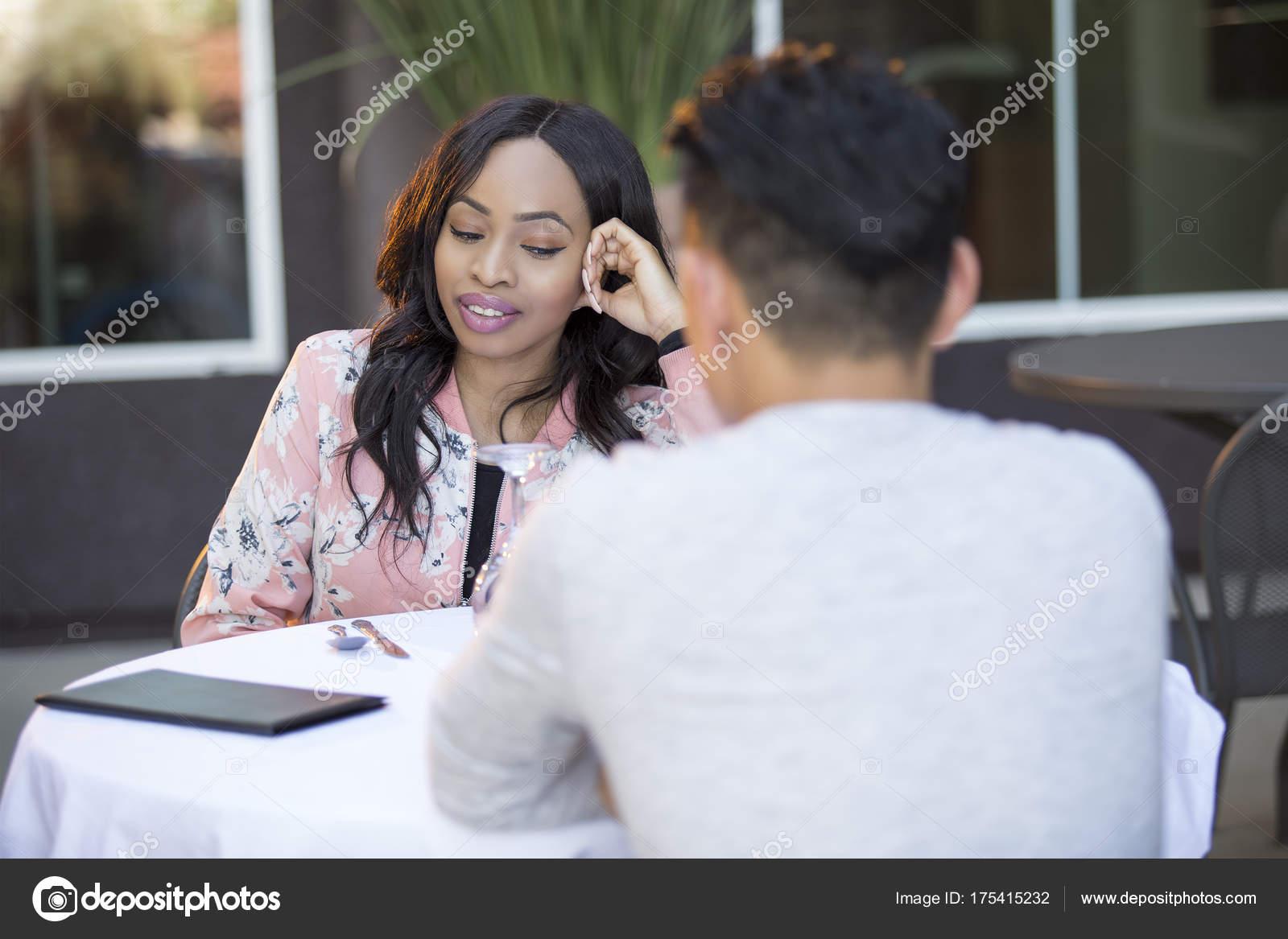 donna a velocità datazioneServizi di dating online gratuiti in Sudafrica