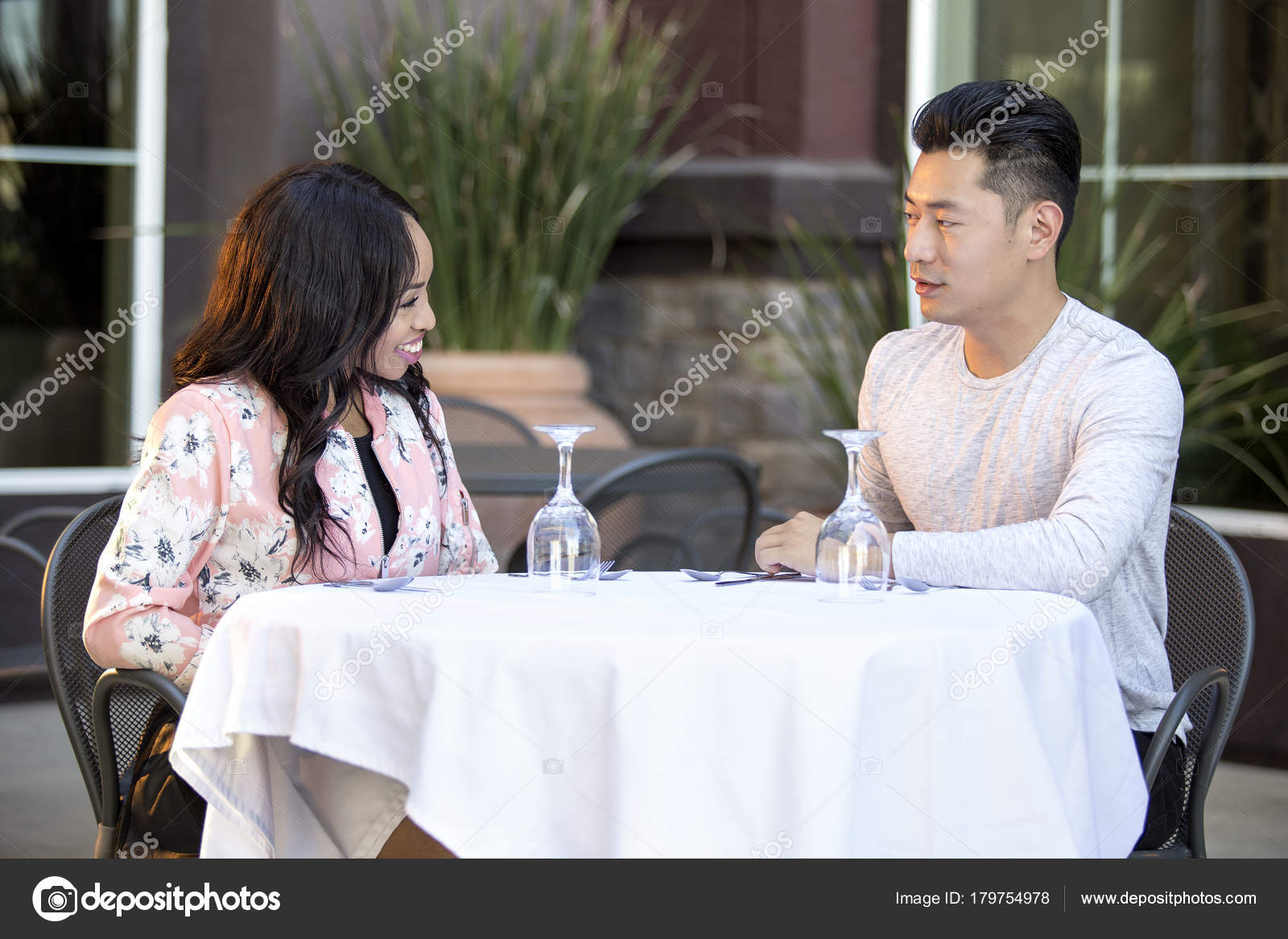 Ιαπωνικό θηλυκό dating
