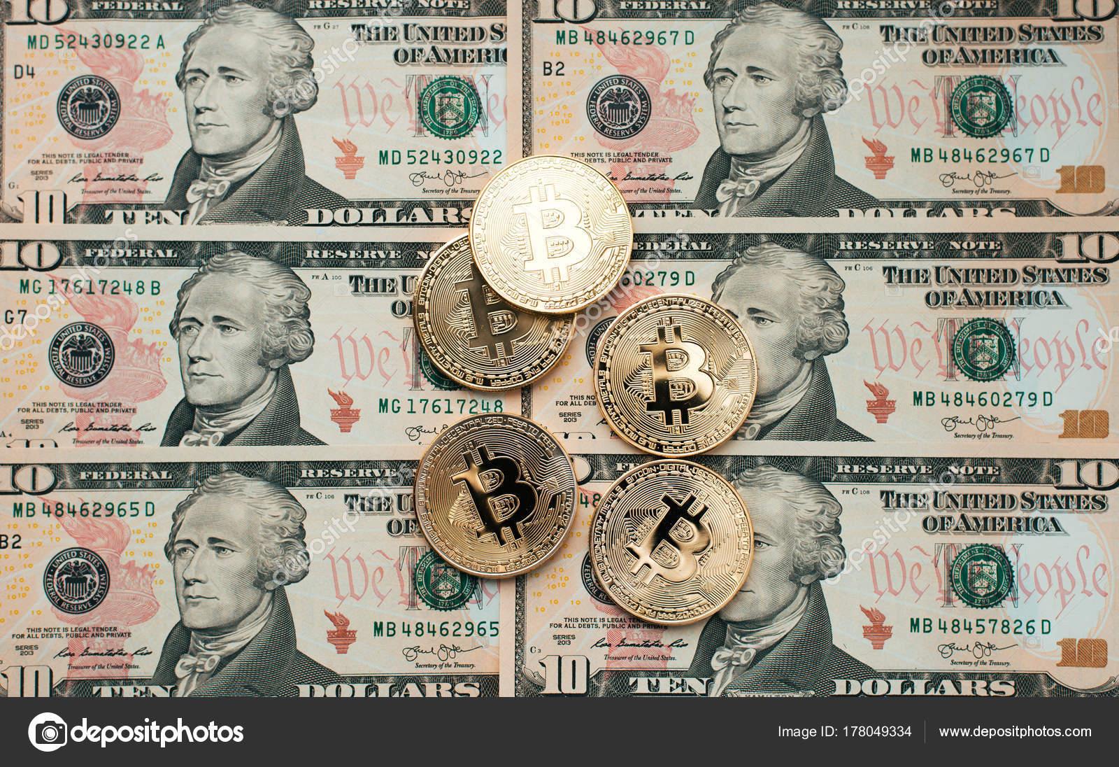 Bitcoin Münzen Gibt Es Geld Auf Tisch Eine Notiz Von 10 Dollar