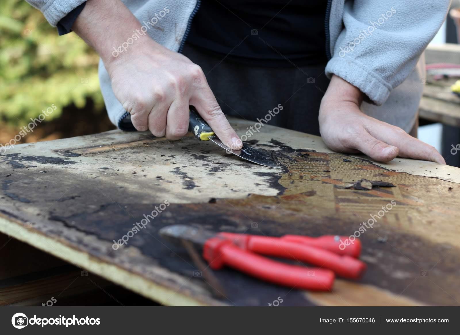 Restauraci N De Muebles Antiguos Foto De Stock Laciatek 155670046 # Rejuvenecer Muebles Antiguos