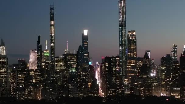 Timelapse over New York City Central Park v noci