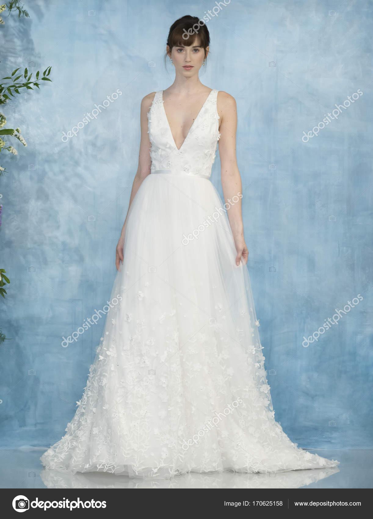 519de7de399 Theia - Fall 2018 Collection - New York Fashion Week Bridal – Stock ...