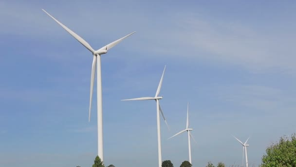 Primo piano di energia pulita e rinnovabile di movimento, energia eolica
