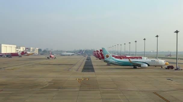 Bangkok, Thajsko - do 20, 2016: Mezinárodní letiště Bangkok (Don Muang) Letiště provoz a odeslané osobní je rozbočovač letu regionální pracovník a de facto nízkonákladová letecká společnost