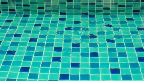 Horní pohled na povrch bazénu nebo vodní textury Oceán