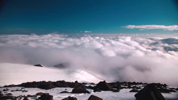in den Bergen. Winterlandschaft. elbrus. Kaukasus