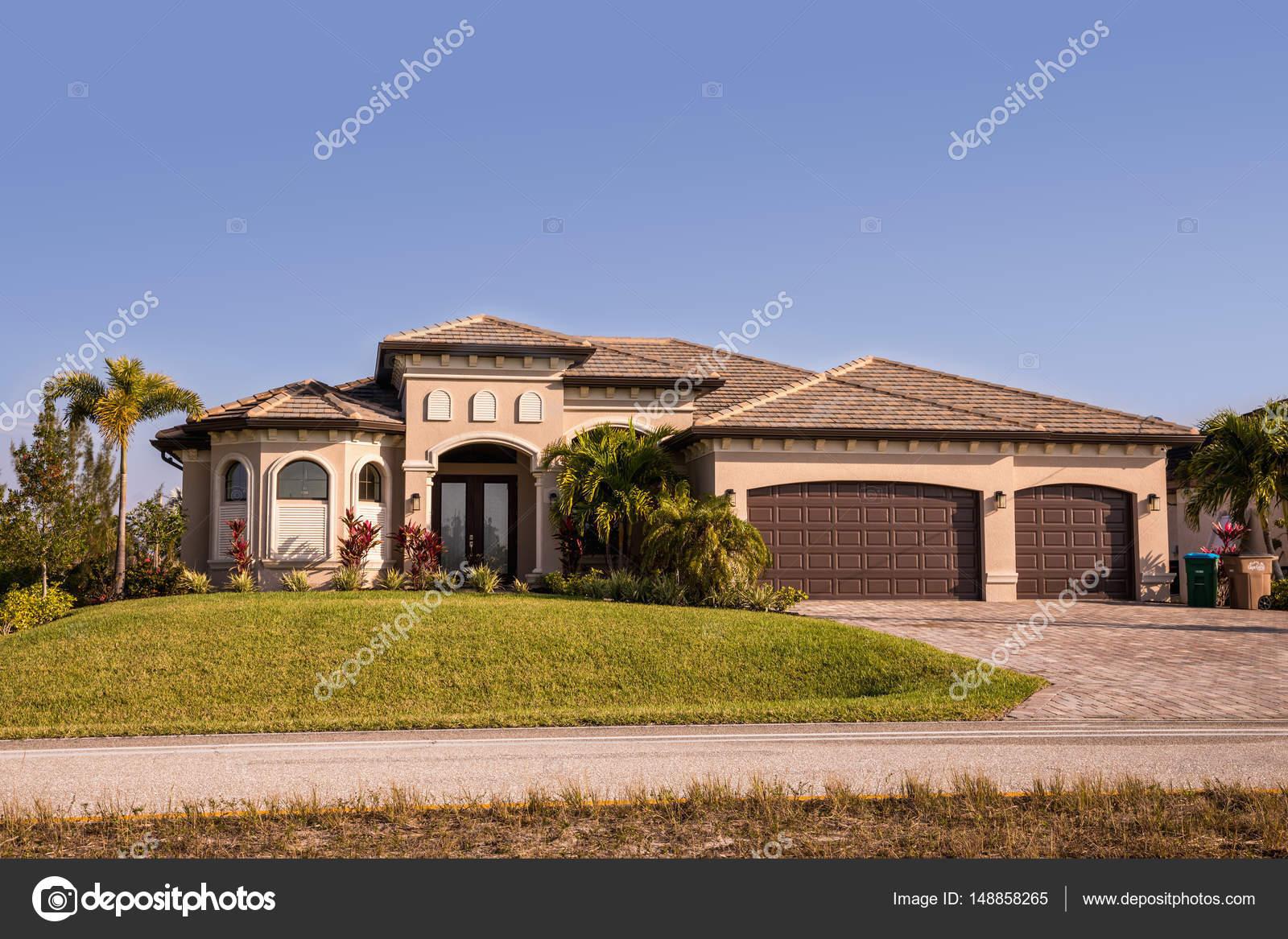 Tipici blocchi di calcestruzzo di southwest florida e for Piccoli piani di casa in florida