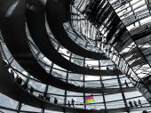 Reichstagsgebäude von innen, eine surreale Erfahrung... Berlin, Deutschland.