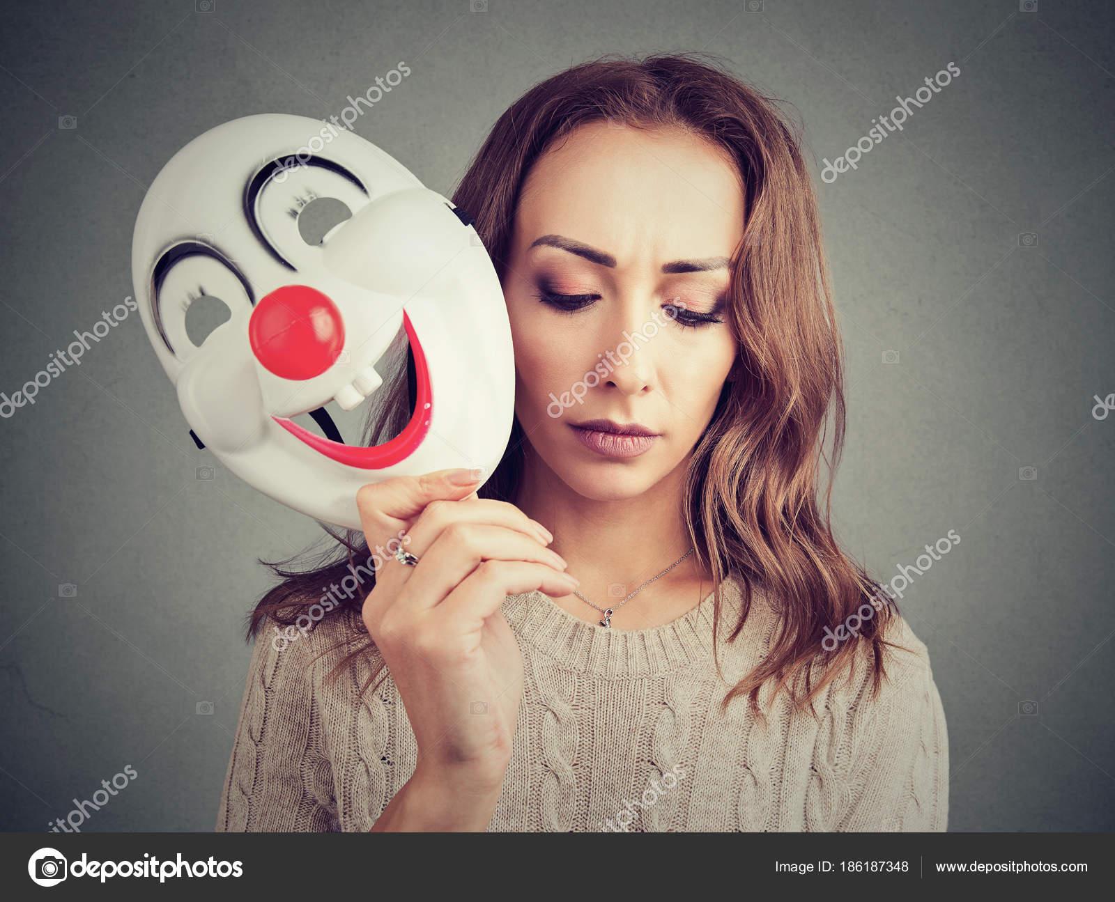 Imágenes Payasos Tristes Y Alegres Triste Mujer Con Máscara De