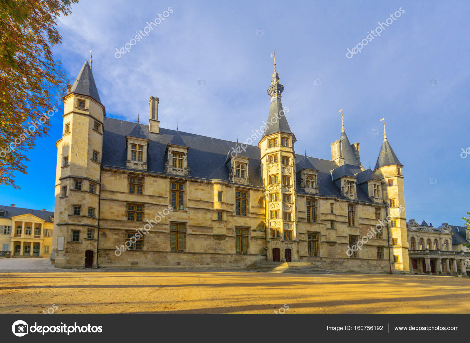 Ducal palace of nevers for Nevers code postal