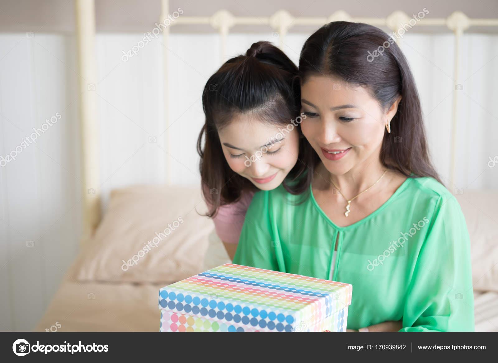 Дочь это подарок матери 72