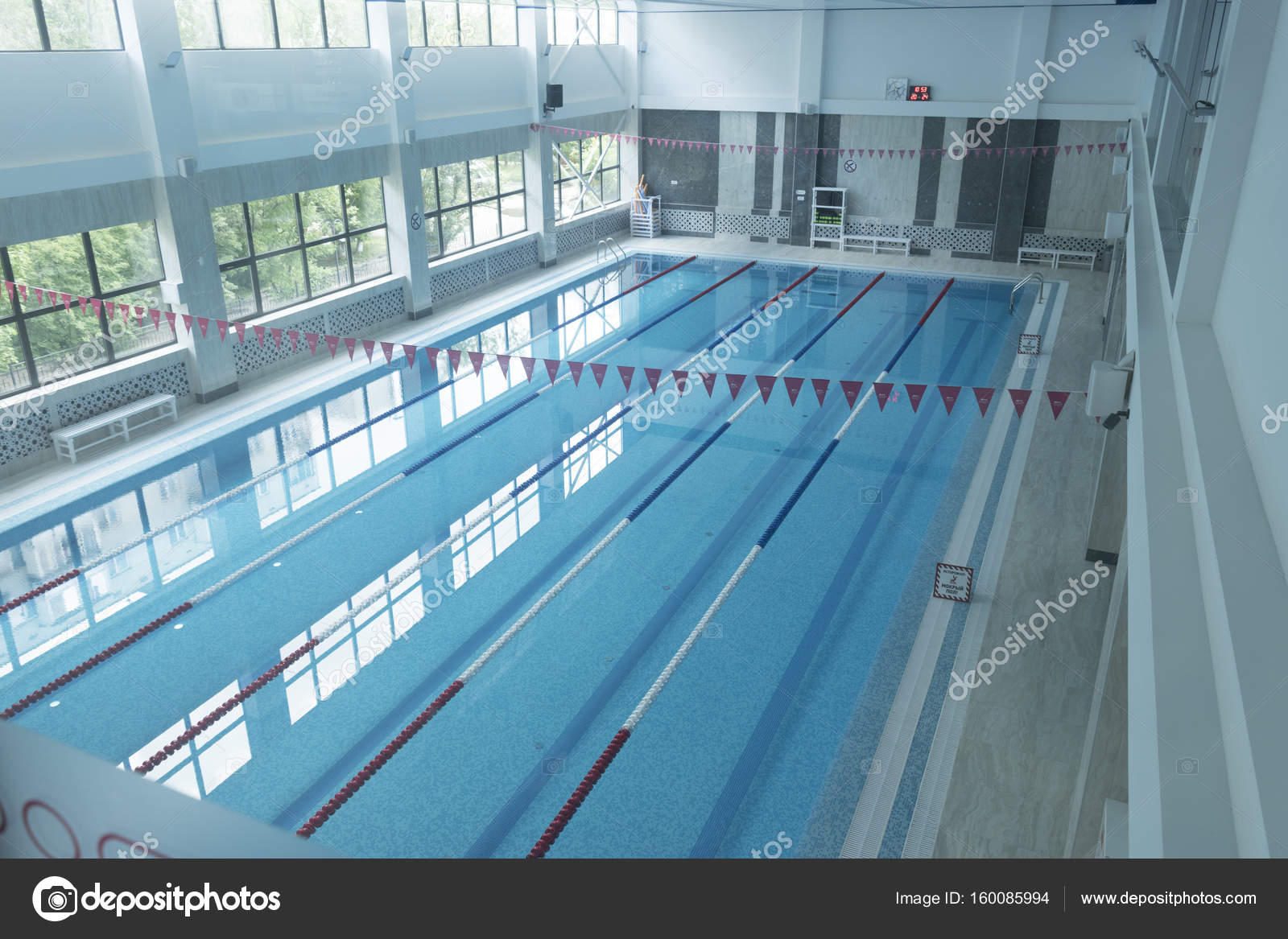 Superbe Public Indoor Swimming Pool. U2014 Stock Photo