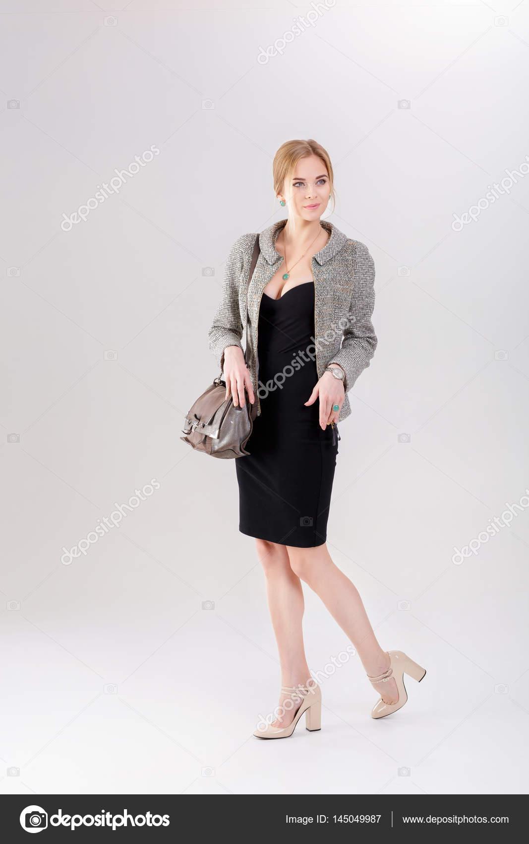 Vestido negro y chaqueta