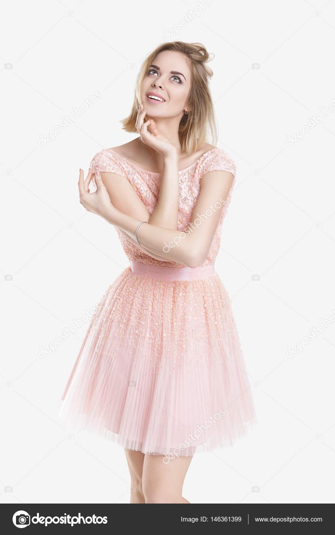 Retrato de mujer hermosa sueño rubio en vestido de Cóctel de color ...