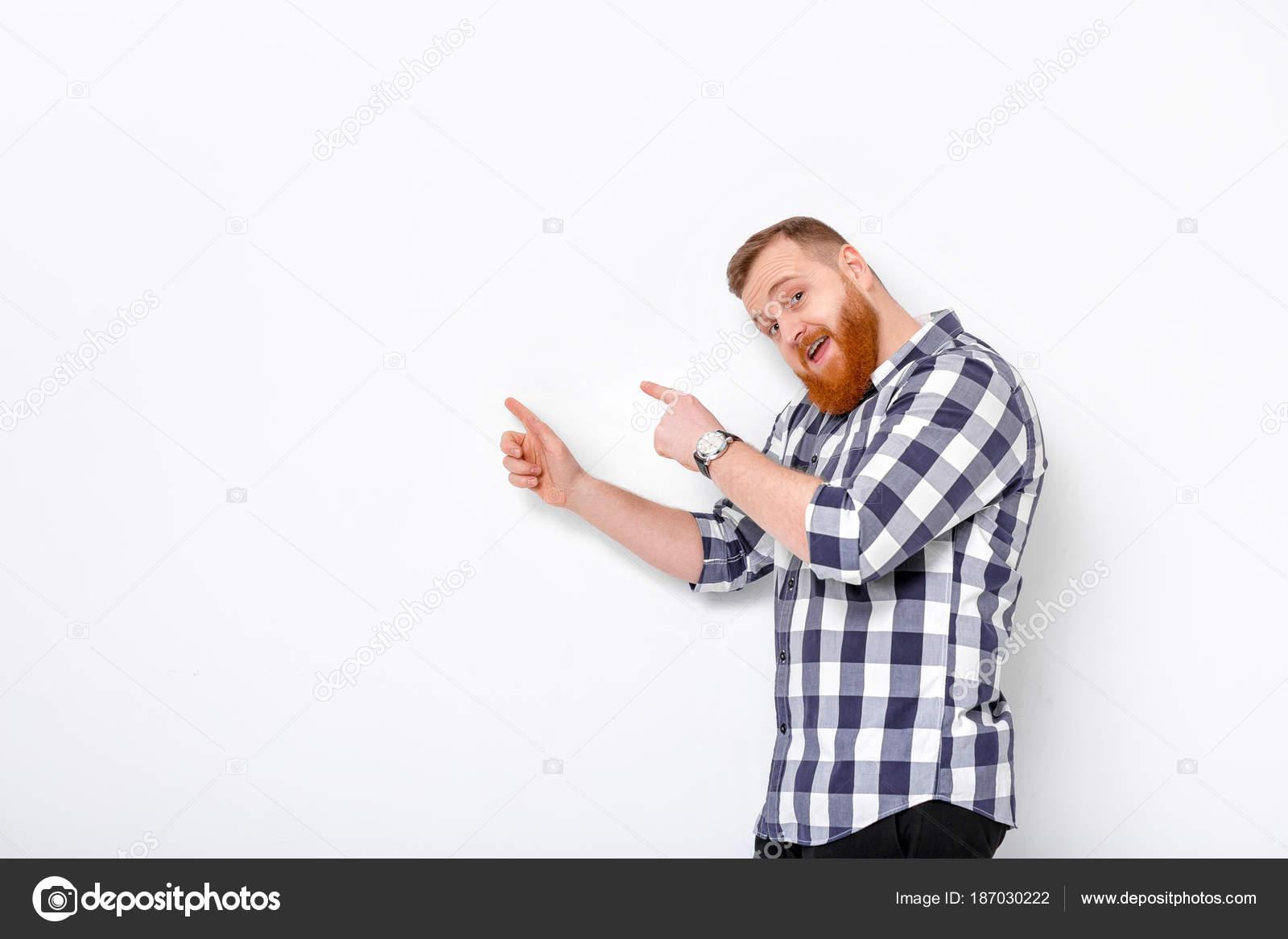 hombre con la barba hacia el espacio de copia — Fotos de Stock ...