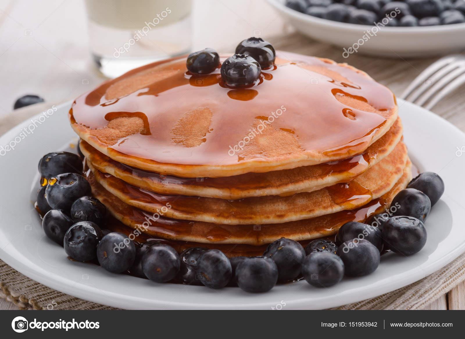 Amerikanische Pfannkuchen Zum Fruhstuck Stockfoto C Ygphoto 151953942