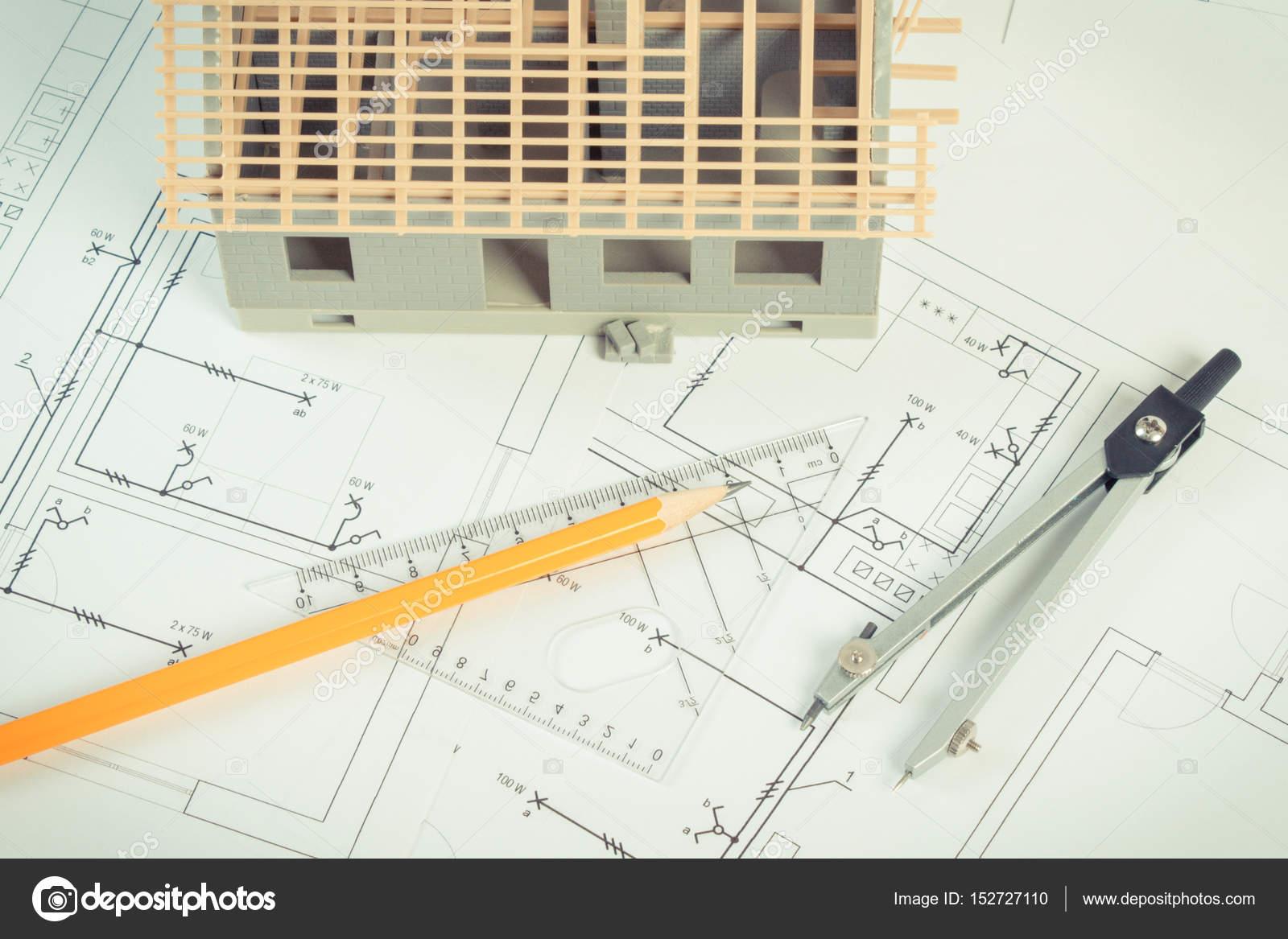 Schemi Elettrici Casa : Casa in costruzione e accessori per il disegno di schemi elettrici