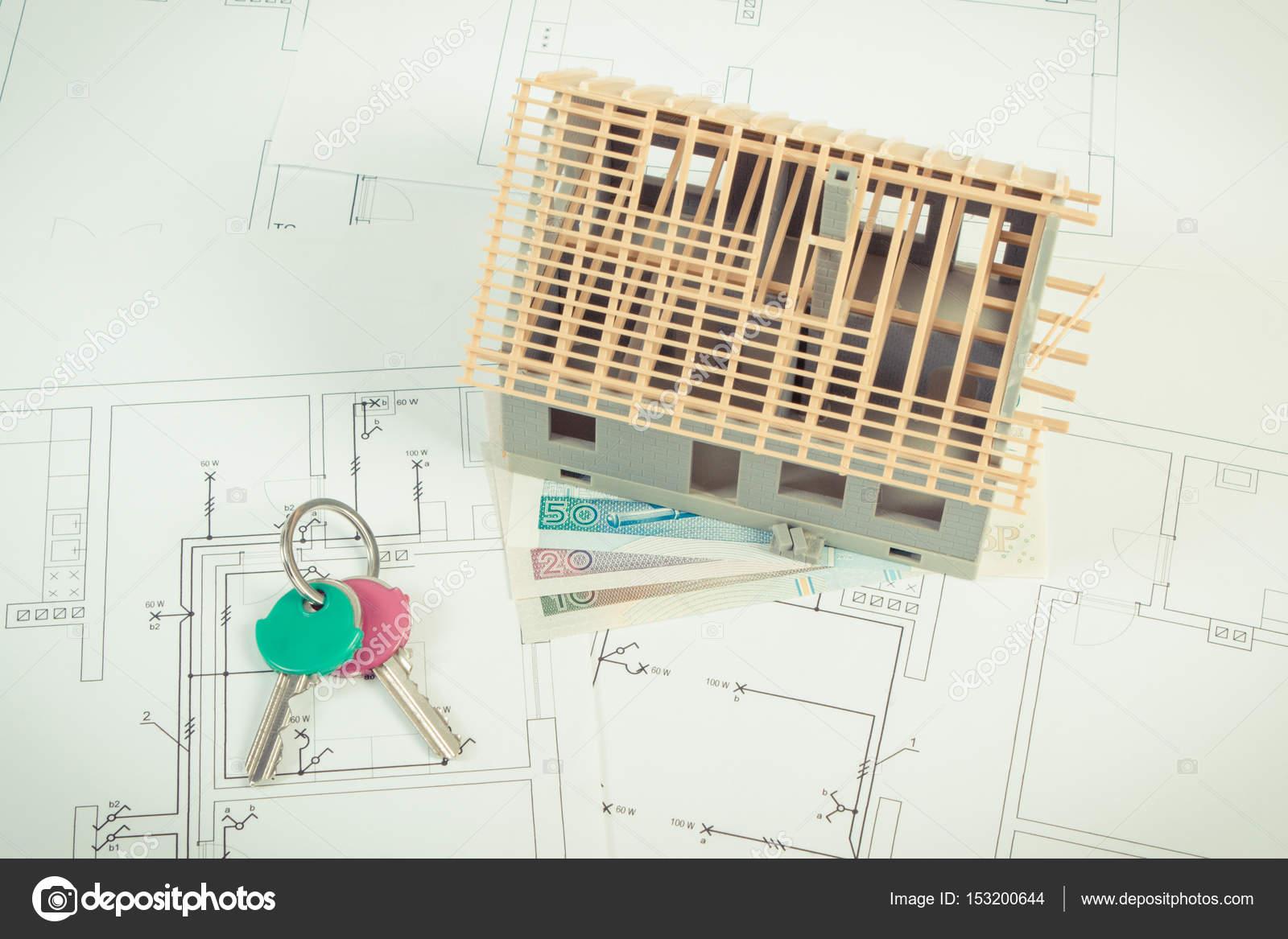 Casa in costruzione polacco valuta i soldi e le chiavi su - Costo progetto casa ...