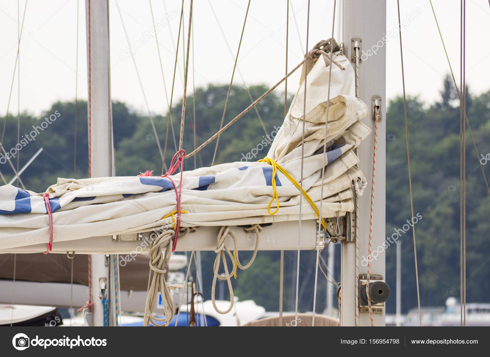 Parts and detail of sailboat in port of sailing — Stock