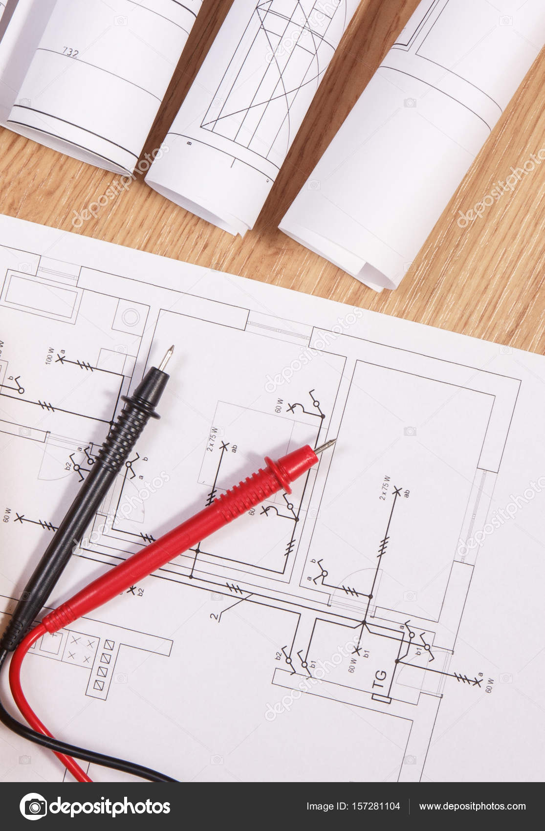Diagramas eltricos ou desenhos e cabo do multmetro para a medio diagramas eltricos ou desenhos e cabo do multmetro para a medio em instalaes eltricas fotografia ccuart Choice Image