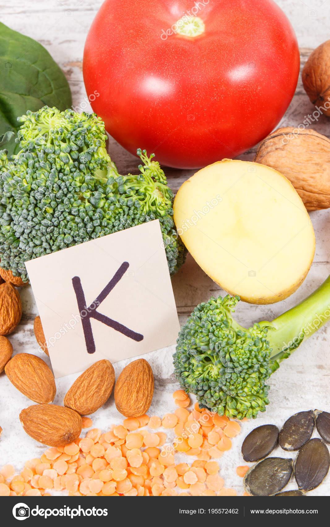 Que verduras y frutas contienen vitamina k
