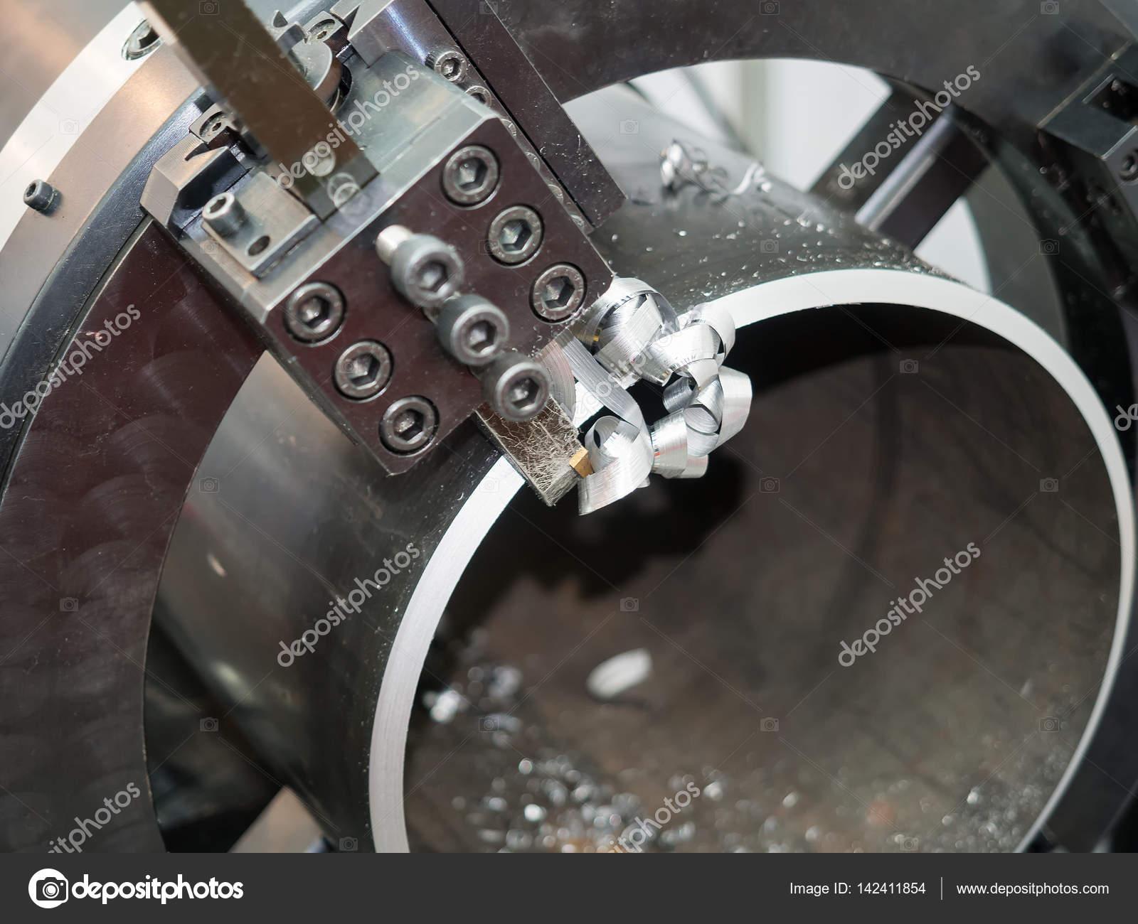 Betreiber, die Bearbeitung Stahlrohr-Rahmen mit Rohr-Drehmaschine ...