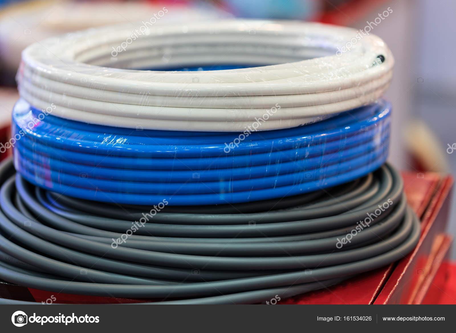 Berühmt Industrielle Elektrische Kabel Und Drähte Zeitgenössisch ...