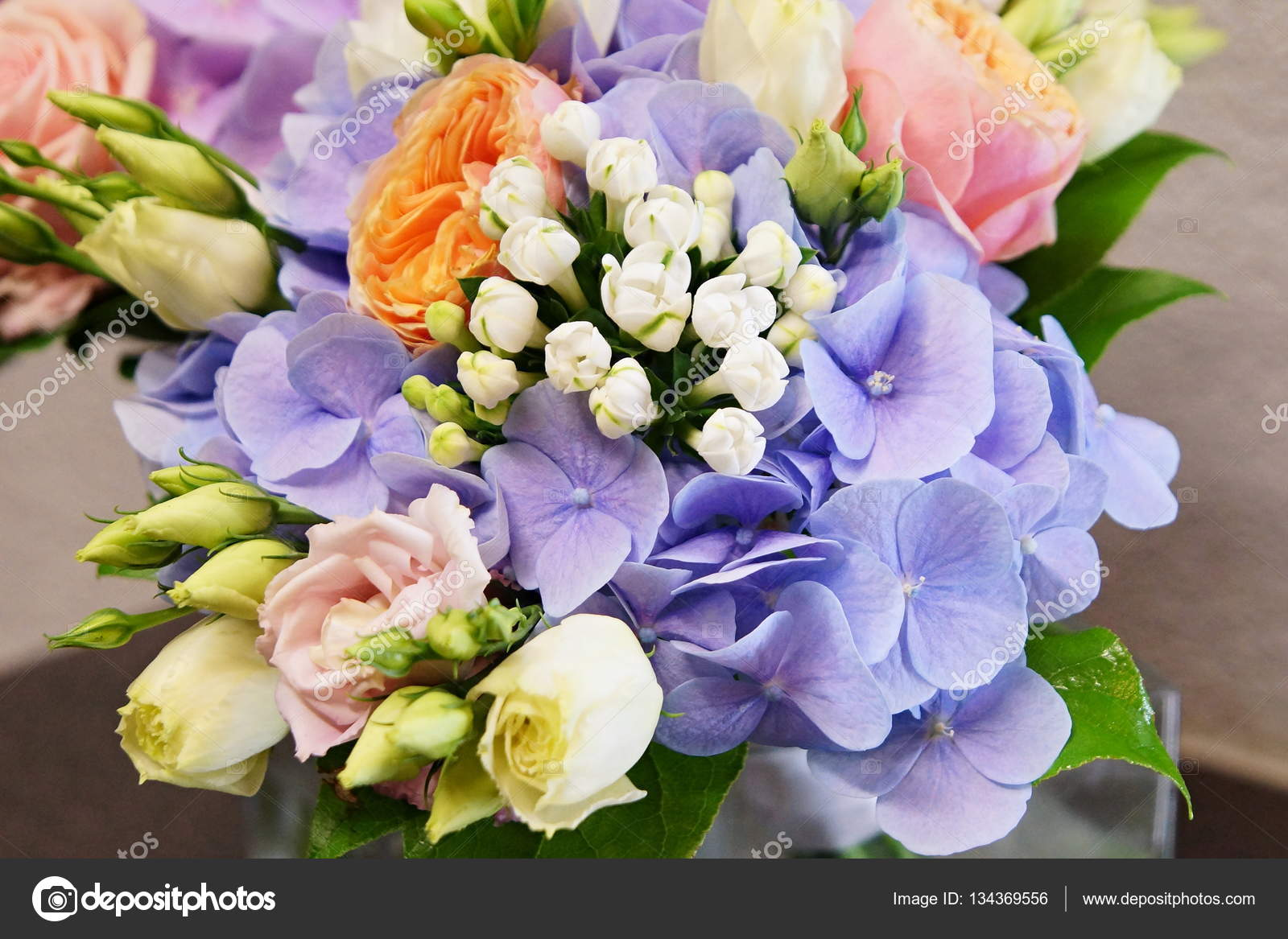 Mazzo Di Fiori Ortensie.Beautiful Bouquet Of Flowers Stock Photo C Petrdlouhy 134369556