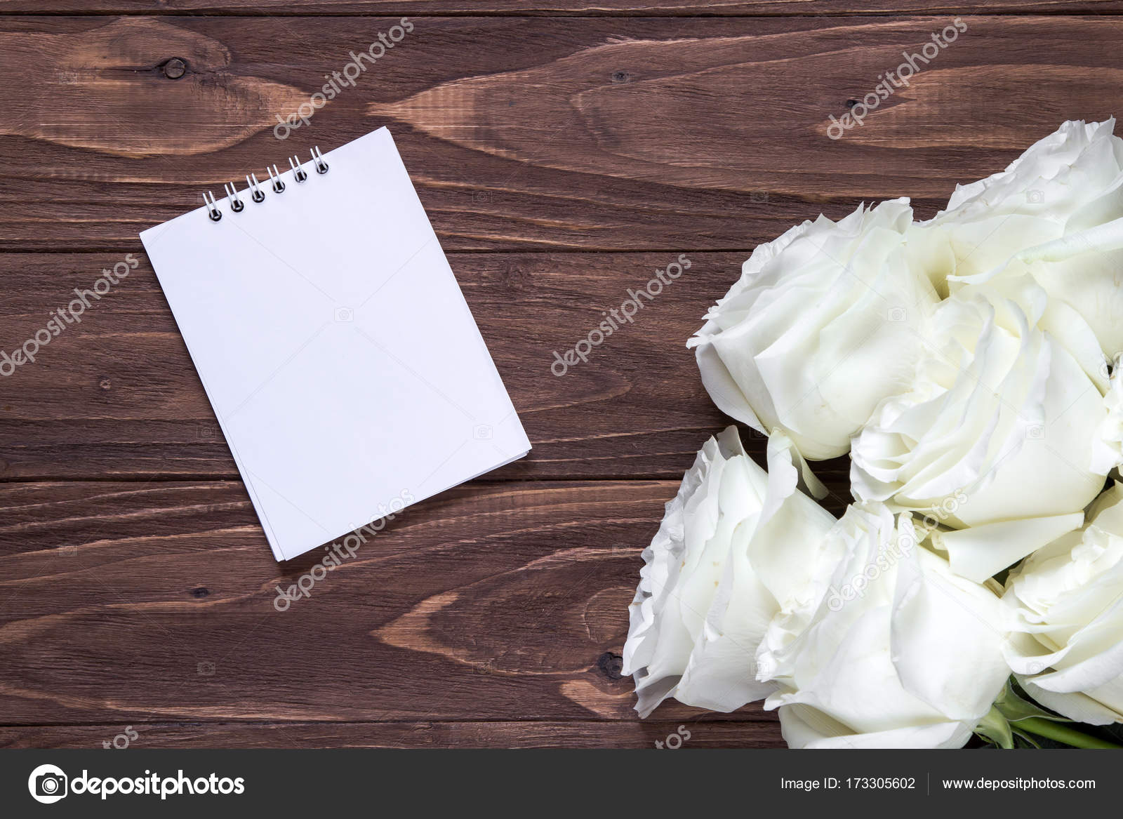 Vacío De Papel Blanco Sobre La Mesa De Madera Wallpaper Romántico