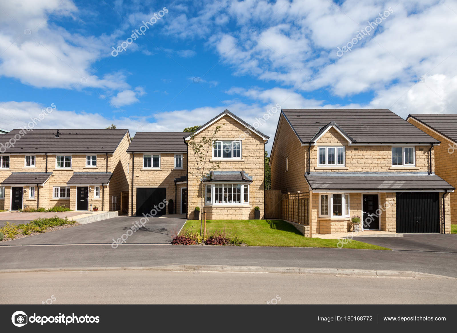 Casas modernas y elegantes campo Ingls Foto de stock