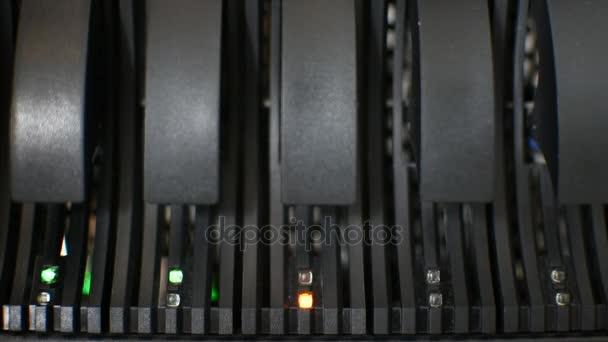 Computer-Server-Festplatte führte Fehlerwarnzeichen