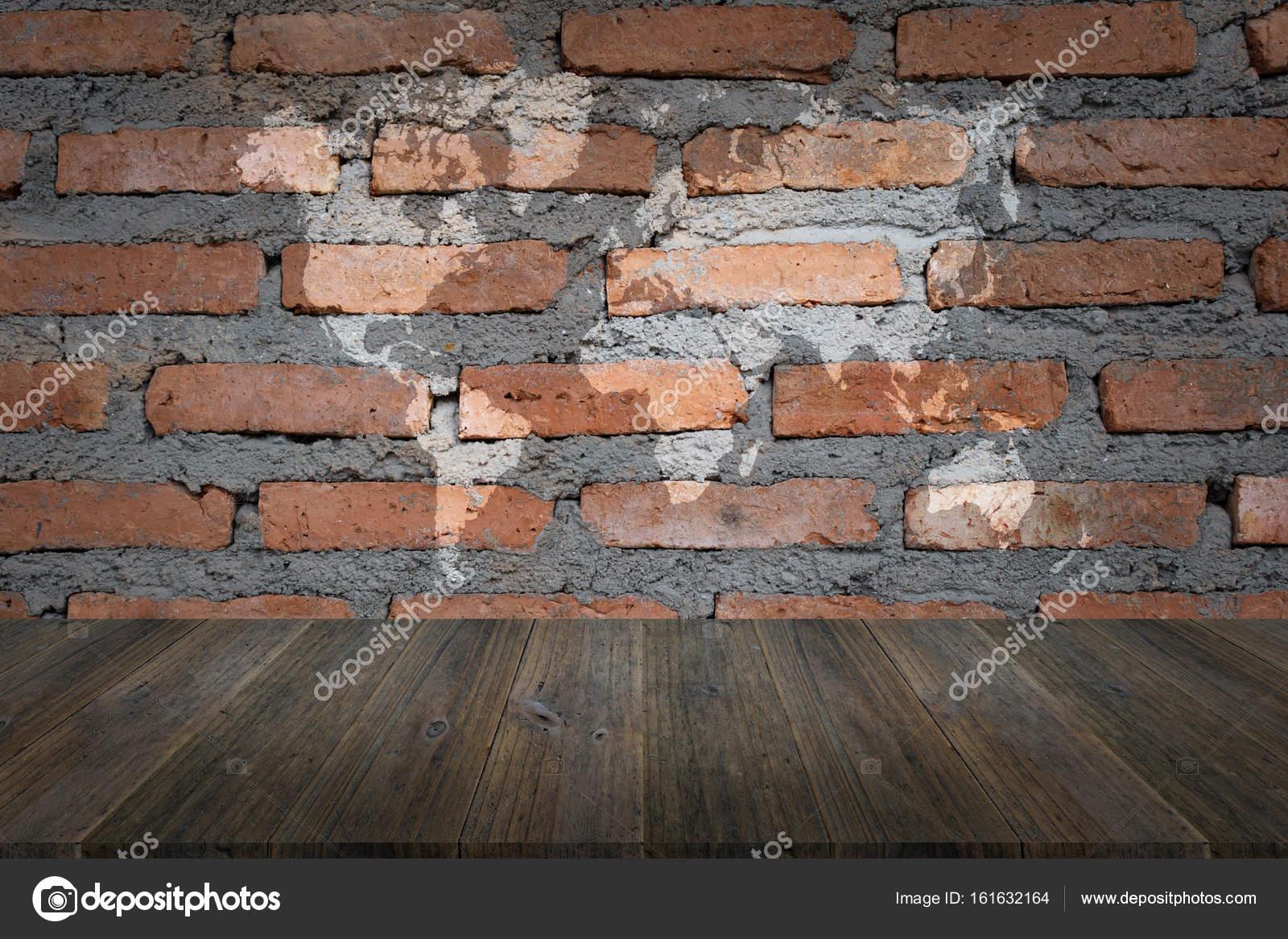 Red Brick Wand Textur Mit Holz Terrasse Mit Weltkarte Stockfoto