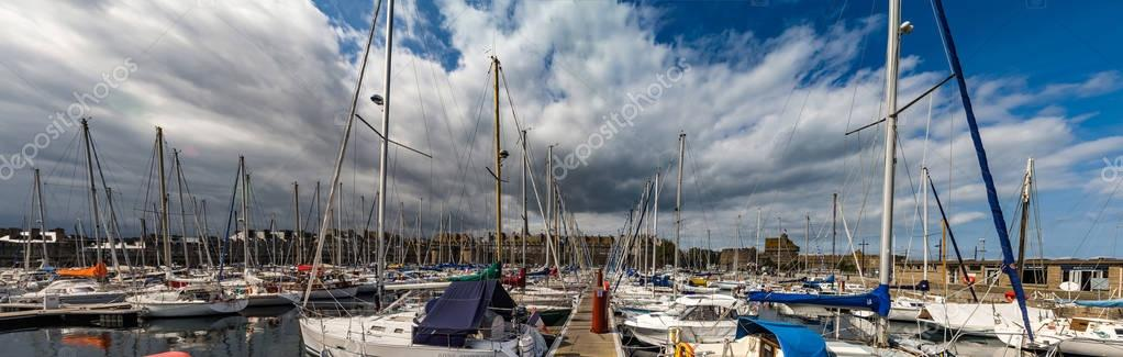 Editorial: 20th September 2017: St-Malo, France. Many yachts in