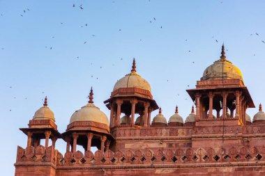 Buland Darwaza (Gate of victory), main entrance to the Jama Masjid in Fatehpur Sikri in Agra, Uttar Pradesh, India