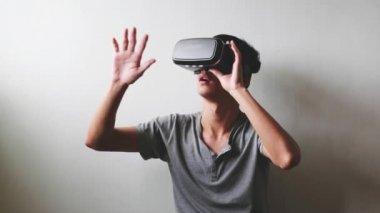 man using the virtual reality headset