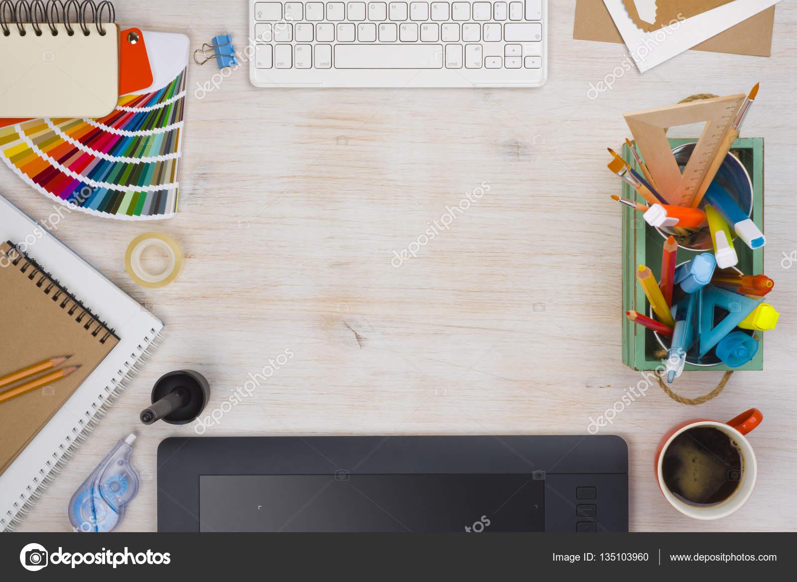 Vista Superior De Essentials De Escritorio Diseño