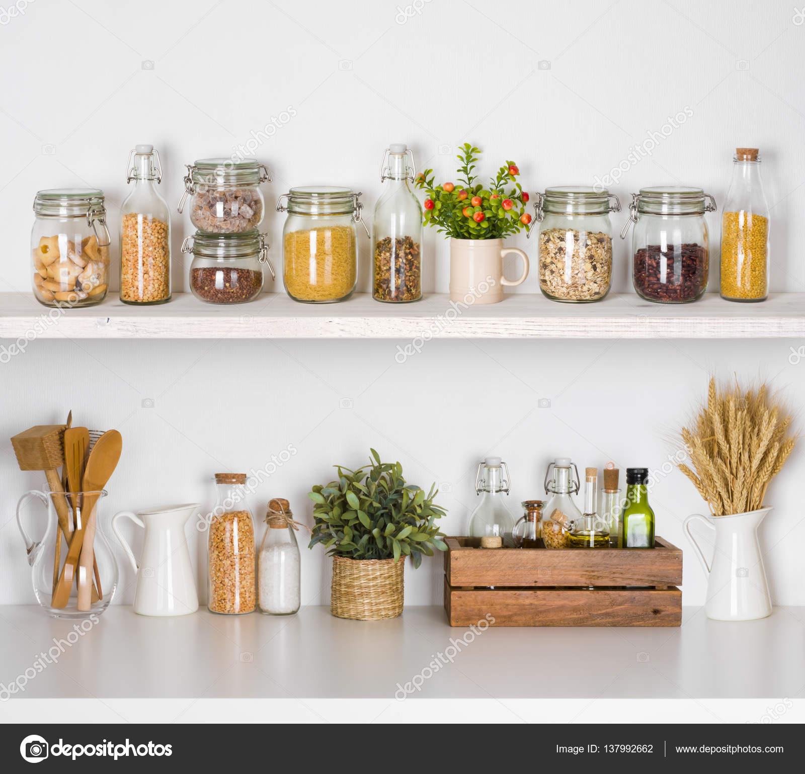 Prateleiras De Cozinha Moderna Com V Rios Ingredientes De Alimentos