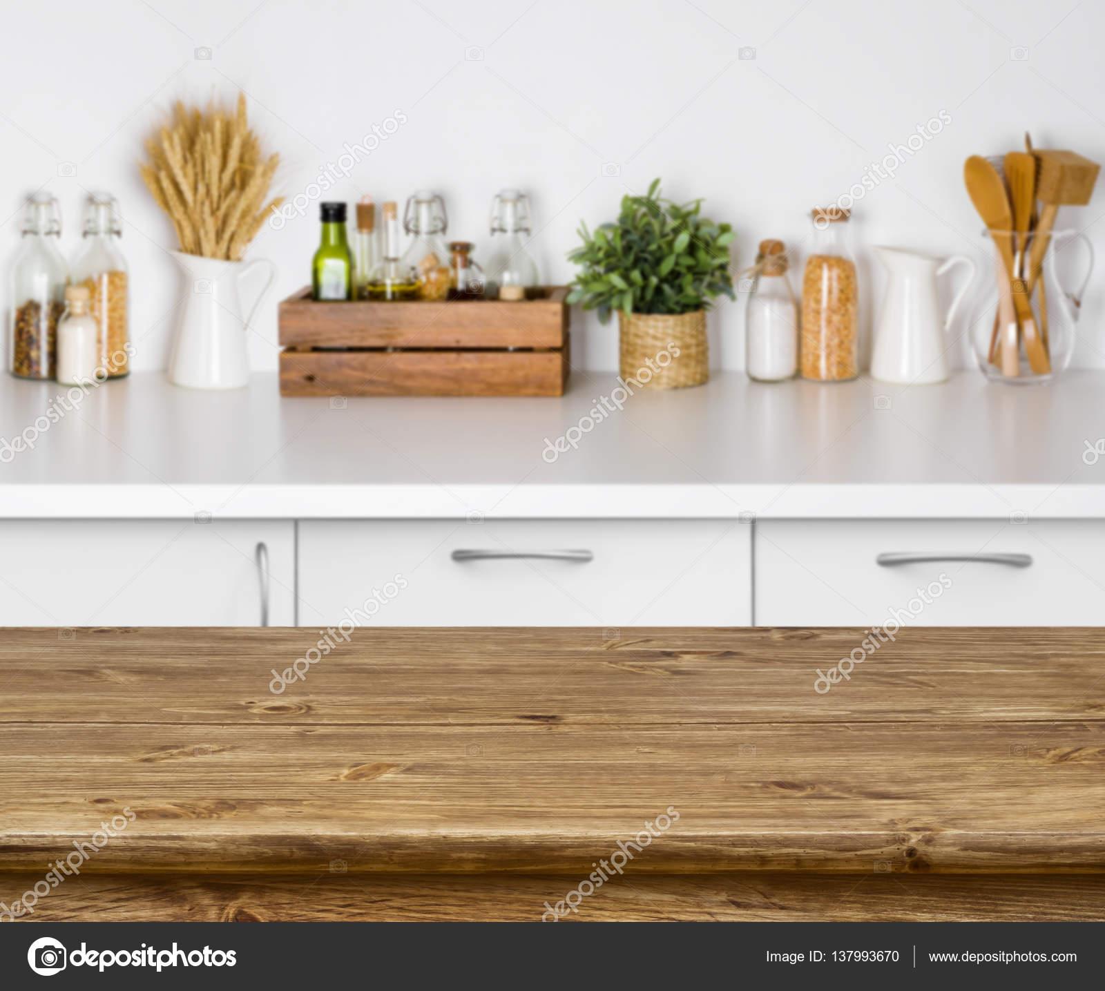 Braun Holztisch mit Bokeh Bild der Küche Bank Interieur — Stockfoto ...
