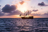 Segeljacht, Kreuzfahrt auf einem Katamaran