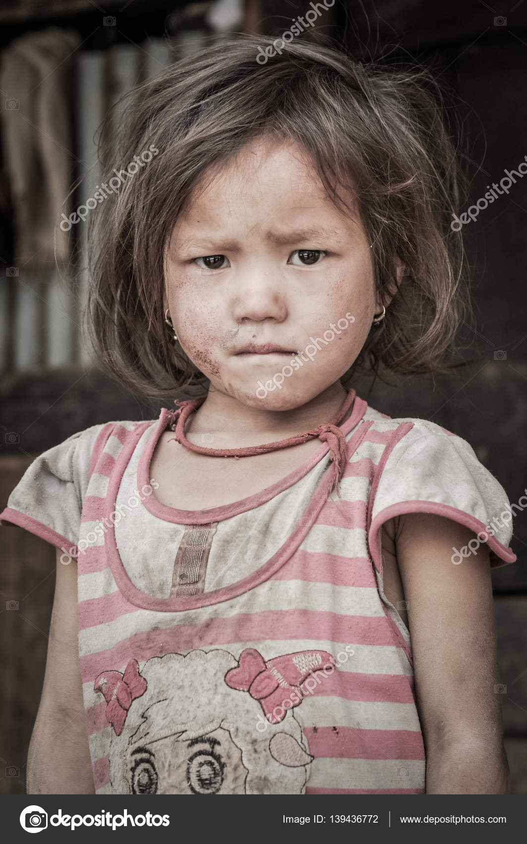 da0771985b9f Small girl in dress in Nepal – Stock Editorial Photo © MichalKnitl ...