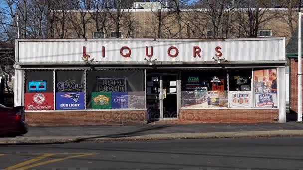Liqueur Devanture Vitrine Magasin Nom Marque Boissons Alcoolisées Autres  Spiritueux — Video cb99d204401