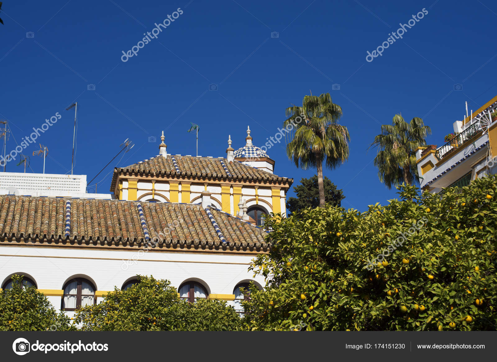 moorish architecture in seville andalucia spain stock photo
