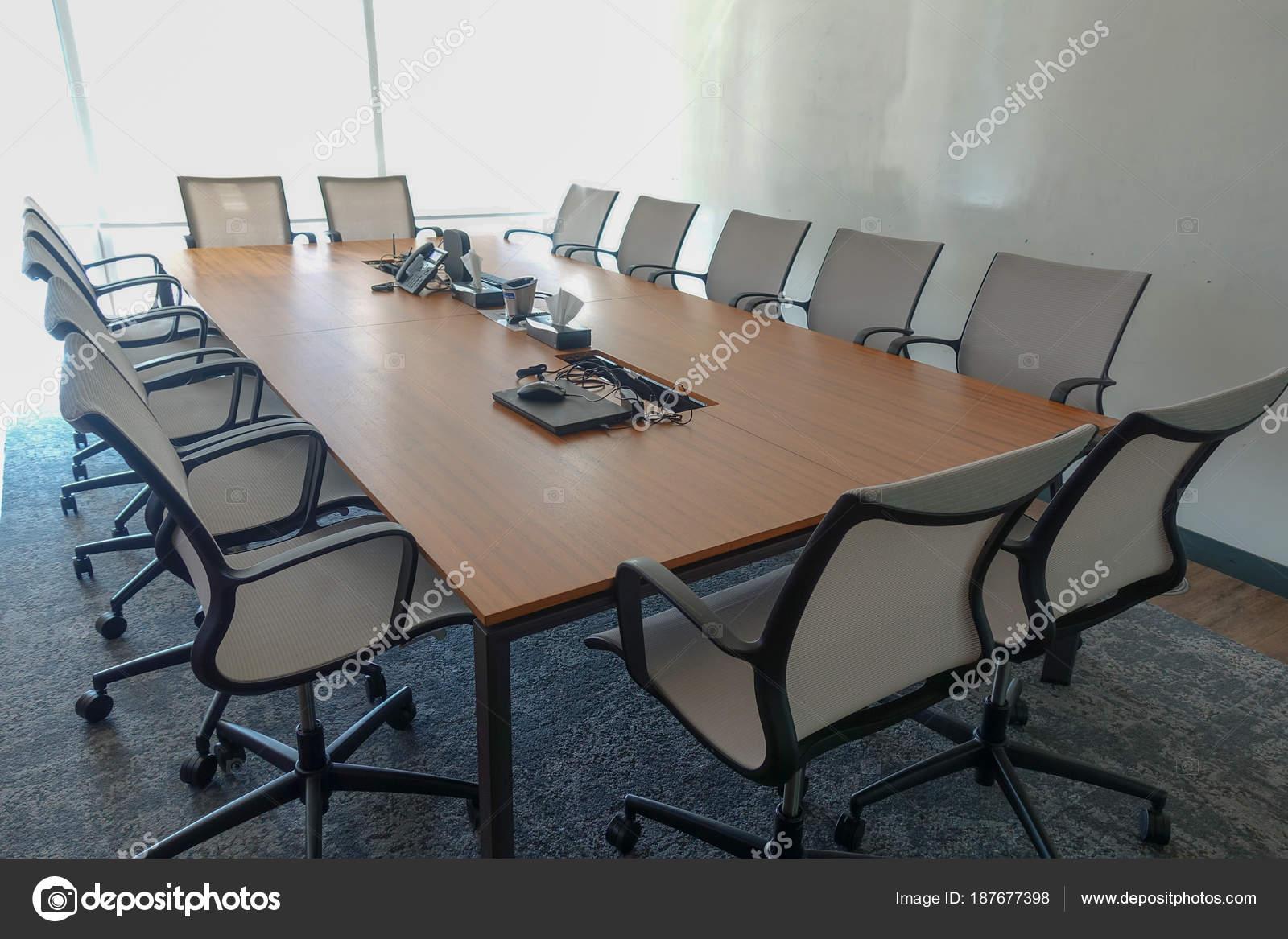 Décoration bureau meubles bureau u2014 photographie omeryontar © #187677398